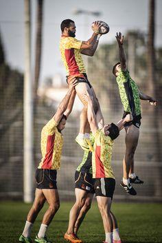 Oliva Nova Sports Center dispone de unas instalaciones de primer nivel que hace que equipos de rugby profesionales, vengan a realizar sus entrenamientos durante todo el año.