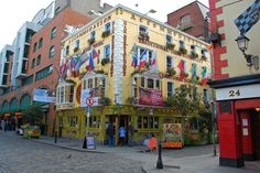 Dublinin turistein pubi Oliver St John Gogarty. Kuva: Alex Lecea, flickr.com, CC BY 2.0.