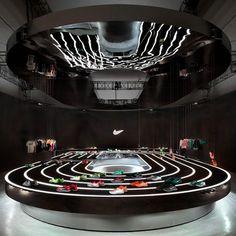Nike Free 2013 installation by Studio-at-Large Shoe Display, Visual Display, Display Design, Booth Design, Display Ideas, Shoe Store Design, Retail Store Design, Retail Shop, Nike Outfits