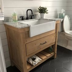 Bathroom Remodeling Made Easy Tips Small Bathroom Vanities, Single Bathroom Vanity, Small Vanity Sink, Industrial Bathroom Vanity, Peach Bathroom, Silver Bathroom, White Bathrooms, Luxury Bathrooms, Master Bathrooms