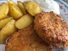 Alternativa nezdravých klasických smažených karbanátků. Stačí umlít kuřecí prsa, mrkev, cibuli, přidat vločky, vajíčko a ochutit kořením. Přidala jsem do hmoty i olivový olej a tak jsem je už nepotírala před pečením a byly šťavnaté. Vyzkoušejte, jsou fantastické. Autor: Karambola Fitness, Pork, Potatoes, Meat, Ethnic Recipes, Desserts, Bakken, Pork Cutlets, Eat Lunch