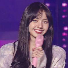 Jennie Lisa, Blackpink Lisa, Yg Entertainment, South Korean Girls, Korean Girl Groups, Rapper, I Love You Baby, She Was Beautiful, Korean Singer