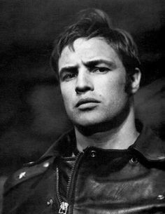 Marlon Brando on the set of The Wild Ones, 1953 Hollywood Actor, Hollywood Actresses, Actors & Actresses, Marlon Brando James Dean, Male Movie Stars, Looks Black, Fantasy Male, Poses For Photos, Steve Mcqueen