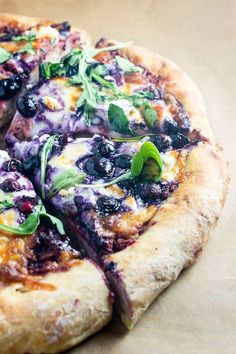 Summer Berry Pizza with Beet Pesto. Scrumptious pizza crust topped with Beet Pesto Mozzarella and Goat Cheese Blueberries and Arugula. Healthy Pizza Recipes, Beet Recipes, Yummy Healthy Snacks, Healthy Eating, Healthy Desserts, Healthy Foods, Vegetarian Recipes, Pesto Pizza, Veggie Pizza