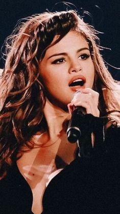 Selena Gomez Tour, Selena Gomez Photos, Alex Russo, Selena Gomez Wallpaper, Famous Singers, Marie Gomez, Dream Hair, Demi Lovato, Role Models