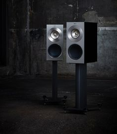 These beautiful and brawny bookshelf speakers are the total home audio package and slide in at under $10,000.