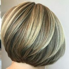 ould not resist the temptation of featuring this stylists work. Here is a few views from the cut and color she did on her client. Short Sassy Hair, Short Hair Cuts, Short Hair Styles, Blonde Bob Hairstyles, Haircuts For Fine Hair, Hair Cutting Techniques, Pelo Bob, Corte Y Color, Hair Shows