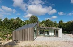 Image 9 of 13 from gallery of Dockboot Holiday Home / De Zwarte Hond. Photograph by Michel Kievits Glazed Walls, Home By, Bedroom Organization Diy, Timber Cladding, Glass Facades, Garden Studio, Home Pictures, Life Design, Interior Architecture