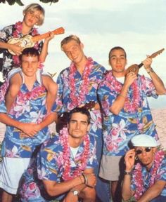 A better picture of the Backstreet Boys does not exist. #BSB And is that Aaron Carter too?