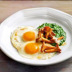 Rahmspinat mit Reherl und Ei Rezept | Küchengötter