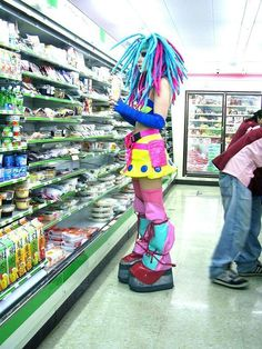 Weirdest People Of Walmart Entertain You And Build Your Day. Take A Look At These Weird People Of Walmart That Are On Another Level Of Funny People. Walmart Humor, Walmart Shoppers, Walmart Pics, People Of Walmart, Only At Walmart, Crazy People, Funny People, Strange People, Le Strange