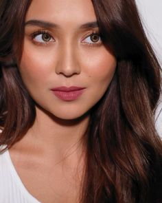 Always so beautiful, Kath! ✨🌟 (photo and hair) (styling) Kathryn Bernardo, Natural Contact Lenses, Filipino Girl, Filipina Actress, Daniel Padilla, Most Beautiful Women, Asian Beauty, Makeup Looks, Stylists