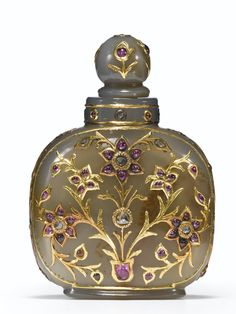 AN EMBELLISHED 'MUGHAL' AGATE SNUFF BOTTLE<br>QING DYNASTY, 19TH CENTURY   Lot   Sotheby's