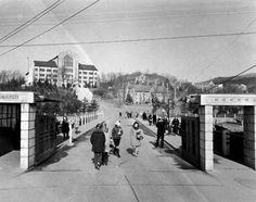 Seoul:  Main Gate of Ewha Women's University in 1967년 이화여대