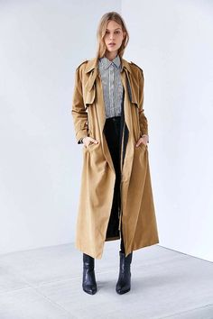 long trench coat, striped button-down shirt, skinny jeans and ankle boots #style #fashion