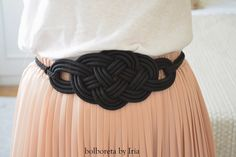 Diy Jewelry, Handmade Jewelry, Fiesta Outfit, Necklace For Girlfriend, Soutache Jewelry, Classy Chic, Diy Necklace, Handmade Accessories, Paracord