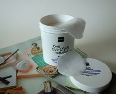 Bye Bye Eye Makeup: Hema Remover Pads Oil. Oog make-up reiniger.