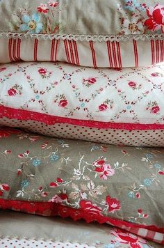 Astounding Useful Ideas: Sewing Decorative Pillows Inspiration decorative pillows living room shabby chic.Decorative Pillows For Girls Cushions. Sewing Crafts, Sewing Projects, Textiles, Linens And Lace, Sewing Pillows, Soft Furnishings, Decorative Pillows, Floral Pillows, White Pillows