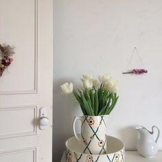Ancien nécessaire de toilette Badonvillers Modèle Butterfly via un lundi ordinaire. Click on the image to see more!