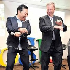 La imagen de la semana: Eric Schmidt baila el Oppa Gangnam Style http://www.xatakandroid.com/p/87188