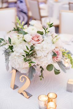 Gold Wedding Table N...