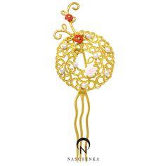 나스첸카! 가장 한국적인 아름다움 - 뒤꽂이 Korean Hanbok, Beautiful Costumes, Korean Traditional, Hair Ornaments, Hair Pins, Hair Accessories, Jewels, Jewellery, Fashion
