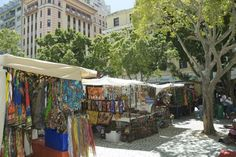 Green Market Square flea market - second oldest public site in Cape Town, created in 1696 was originally used as a slave market and a fruit market African Vacation, National Lampoons, Cape Town, Old Town, Family Travel, Places Ive Been, South Africa, Two By Two, To Go