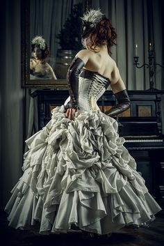 (Note: like this but pink) Victorian Steampunk Wedding Ideas ❤︎ Wedding planning ideas & inspiration. Wedding dresses, decor, and lots more. Steampunk Cosplay, Steampunk Clothing, Steampunk Fashion, Victorian Fashion, Gothic Fashion, Steampunk Belle, Victorian Steampunk Dress, Gothic Victorian Dresses, Gothic Clothing
