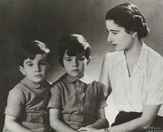 Emmanuelle de Dampierre, Duchess of Segovia, 1st wife of Infante Jaime, Duke of Segovia, with the couple's 2 sons Infante Gonzalo, left, and Infante Alfonso.