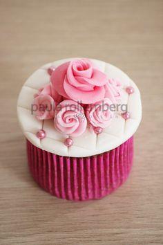 Pink Rose & Pearl Cupcakes