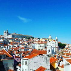 Lisbon, why are you so beautiful? Alfama Hill Skyline. ♡  #lisbonviewpoints  #lisbon #oldlisbon #lightoflisbon #alfama #lisbonskyline #lisbontailoredtours #lisbonwithpats