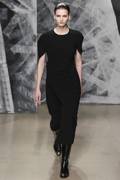 Jil Sander Fall 2016 Ready-to-Wear Fashion Show - Katlin Aas