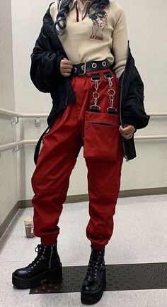 androgynous fashion Cargo Pants with Chains Pocket - Edgy Outfits, Teen Fashion Outfits, Grunge Outfits, Mode Outfits, Retro Outfits, Cute Casual Outfits, Grunge Dress, Vintage Outfits, Fashion Dresses