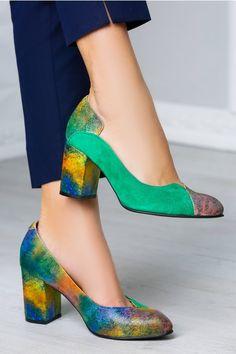 Next stop: Pinterest Pumps, Shoe Bag, Shoes, Bags, Products, Fashion, Green, Handbags, Moda