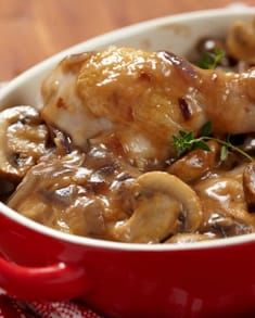 Poulet Chasseur - Marine And Land Vehicles Best Chicken Ever, Best Chicken Recipes, Baked Chicken And Mushrooms, Stuffed Mushrooms, Mushrooms Recipes, Mushroom Chicken, Slow Cooker Recipes, Cooking Recipes, Healthy Recipes