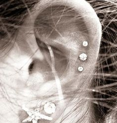 triple ear piercing, want
