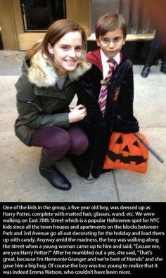 17 Celebrities Doing Random Acts of Kindness - Emma Watson.