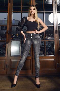 Blugi dama lejeri, rezistenti la spalare in timp. Elastici, moi si usor de suportat pe piele. Leather Pants, Skinny, Shopping, Fashion, Leather Jogger Pants, Moda, Fashion Styles, Lederhosen, Thin Skinny