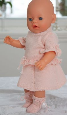 0016 KAROLINE - Doll clothes knitting pattern for: sweater (Blouse), skirt, pant and socks. Baby Born Clothes, Preemie Clothes, Knitting Dolls Clothes, Crochet Doll Clothes, Knitted Dolls, Doll Clothes Patterns, Doll Patterns, Baby Knitting Patterns, Baby Patterns