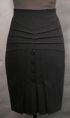 African Wear, African Fashion, Work Skirts, Mini Skirts, Skirt Outfits, Dress Skirt, Professional Wear, Look Chic, Work Attire