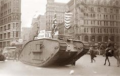 British tank sporting an American & American Flag tracks down Fifth Avenue, New York in parade with Police Mounted Escort Women In History, British History, American History, Ancient History, World War One, First World, Ww1 Tanks, Rare Historical Photos, German Submarines