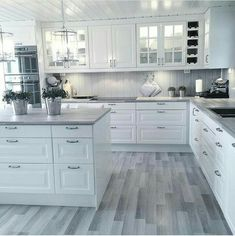 White kitchen is never a wrong idea. The elegance of white kitchens can always provide . Elegant White Kitchen Design Ideas for Modern Home Kitchen Room Design, Kitchen Redo, Home Decor Kitchen, Interior Design Kitchen, Home Kitchens, Kitchen Ideas, Interior Ideas, Kitchen Corner, White Kitchens Ideas