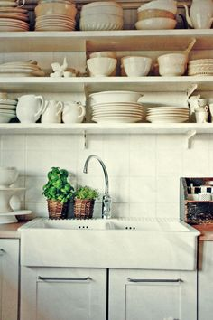 porcelain kitchen sink and dish display - Porcelain Kitchen Sink