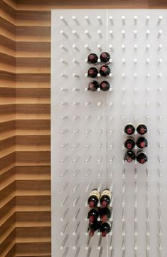 Living in DesignLand: DETALLE BOTELLERO