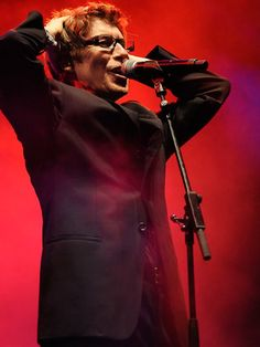 Smiling through the sneers: Richard Butler & Psychedelic Furs wink at Houston Goth Music, Indie Music, Gorgeous Men, Beautiful People, The Psychedelic Furs, Punk Art, Alternative Music, Good Looking Men, My Favorite Music