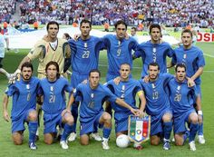 Italy Pennant, Germany World Cup Final given to Zidane from Cannavaro - CharityStars World Cup Teams, Fifa World Cup, Football Team Pictures, Italy World Cup, World Cup Shirts, Roberto Baggio, Berlin, Champions Of The World, My Champion