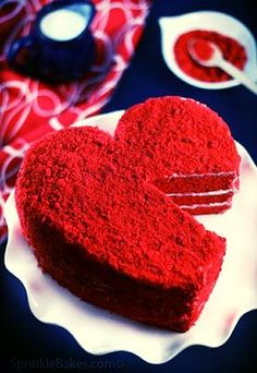 Red Velvet heart cake- perfect!....I knew it was not soooo bad for the diet......