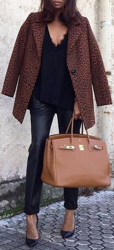 what to wear with an animal printed coat : top plsu bag + skinnies + heels