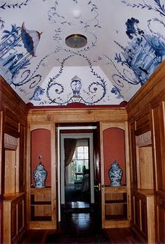 The Chinoiserie Murals of Michael Dillon..for all the lovers of blue and white!! Adore!
