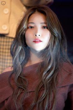 Kpop Girl Groups, Korean Girl Groups, Kpop Girls, Kpop Girl Bands, Gfriend Sowon, Red Velvet Seulgi, G Friend, Brown Hair Colors, Boyfriends